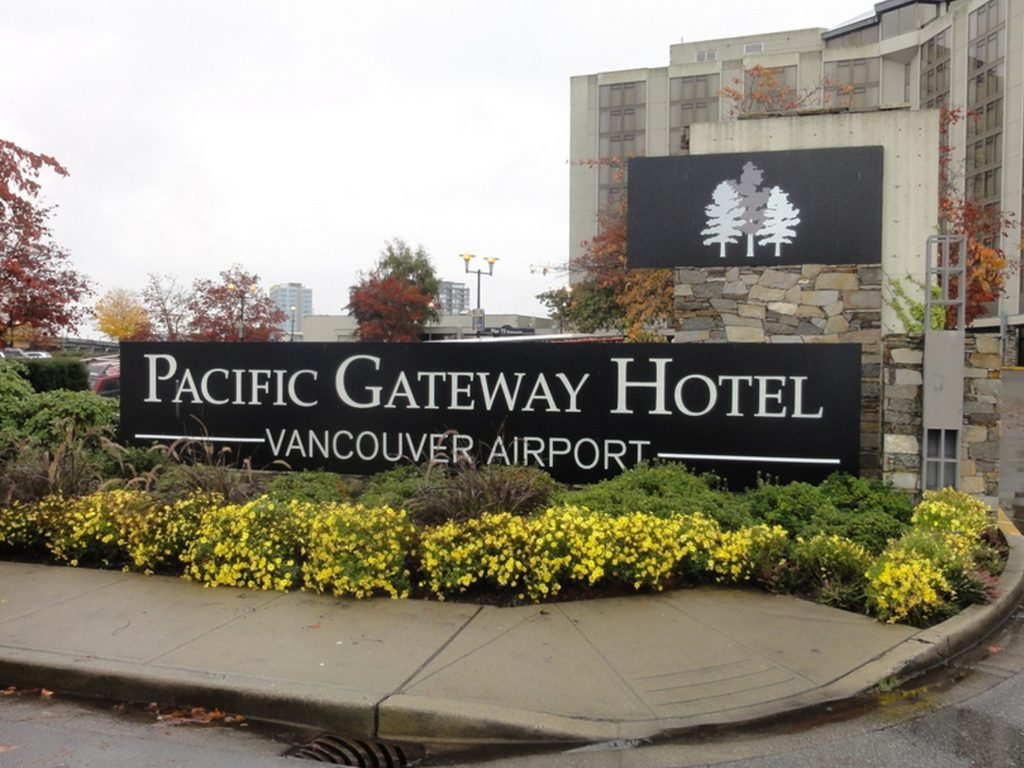 Pacific Gateway Hotel freestanding signage