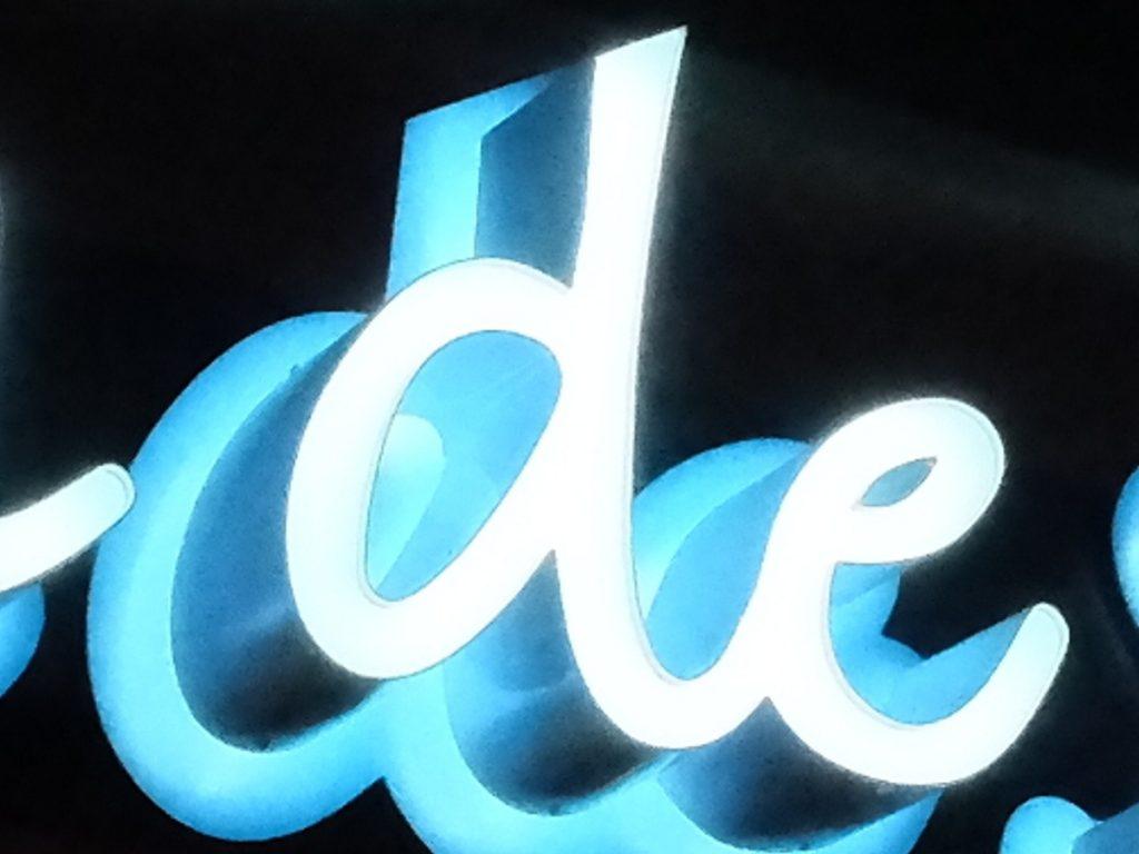 Tan de Soleil channel letters